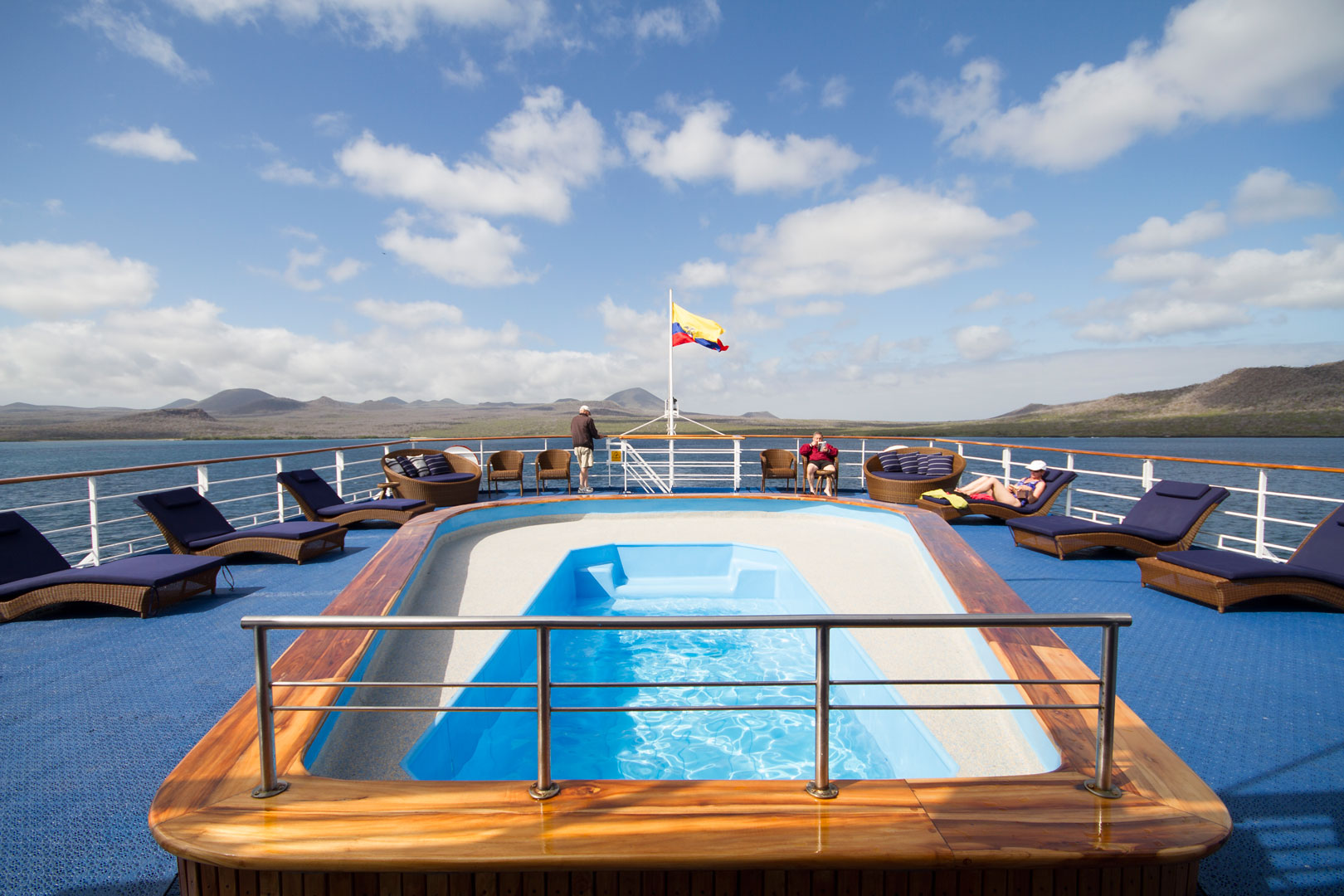 Galapagos Legend pool and terrace, enjoy with Southland Touring
